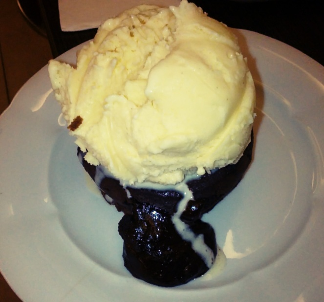 It was a big difficult to eat this, so the ice-cream had to be moved to the side so as to dig into the fondant, haha.