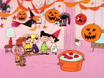 44732-Peanuts-Halloween-Party